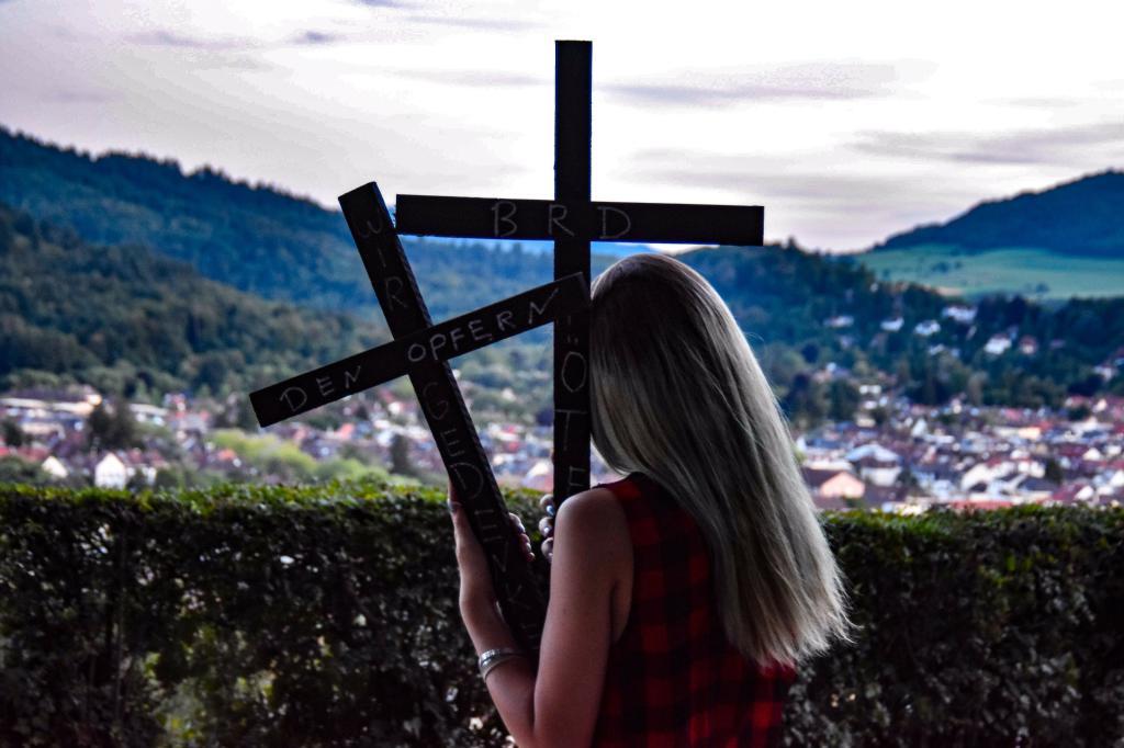 Schwarze_Kreuze